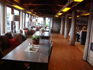Inside the restaurant, very warm and welcoming